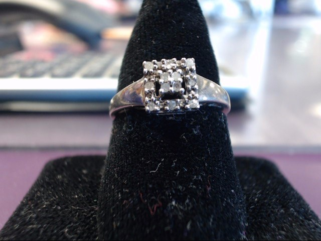 Lady's Silver Ring 925 Silver 2.19g