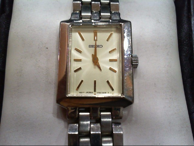 SEIKO Lady's Wristwatch V700-5J09