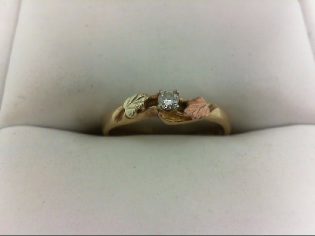 Lady's Diamond Wedding Band 0.05 CT. 10K Yellow Gold 1.8g Size:5.5