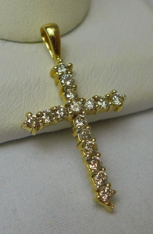 Gold-Multi-Diamond Pendant 16 Diamonds .32 Carat T.W. 14K Yellow Gold 1.3g