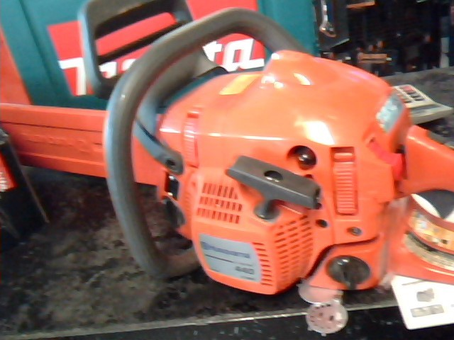 HUSQVARNA Chainsaw 440