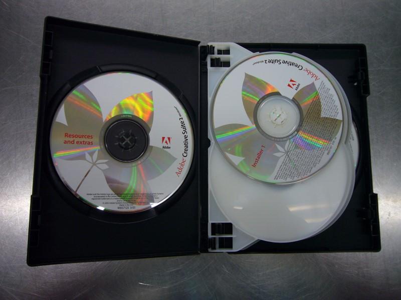 ADOBE CREATIVE SUITE 2 PREMIUM SOFTWARE SET (6 DISCS) & CASE