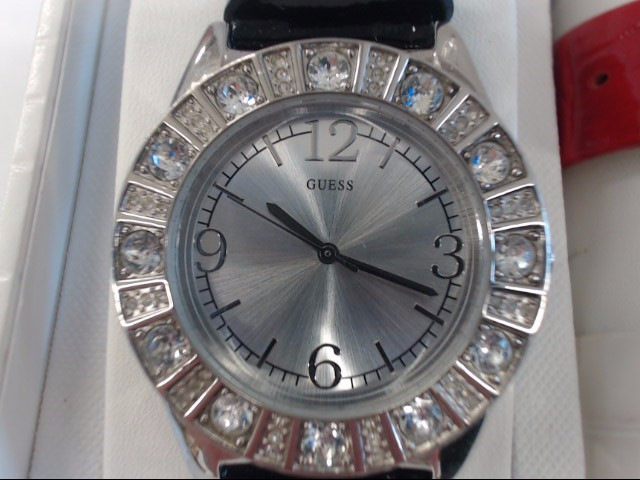 GUESS Lady's Wristwatch U95137L1