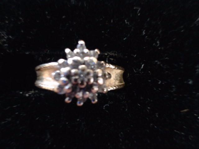 Lady's Diamond Cluster Ring 19 Diamonds .095 Carat T.W. 14K Yellow Gold 3g