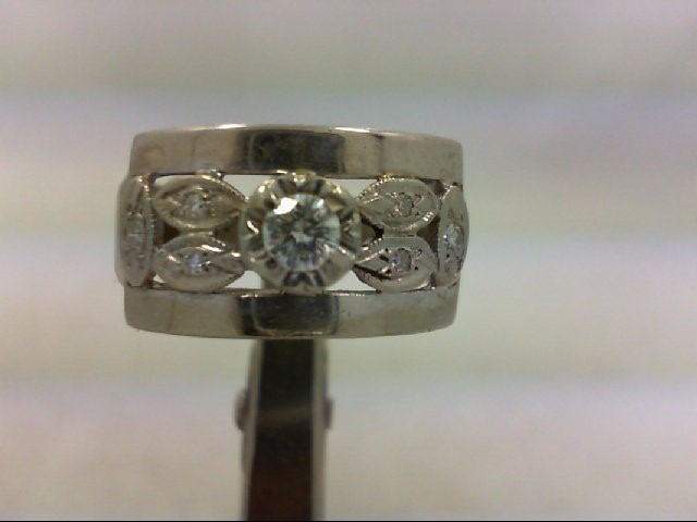 Lady's Diamond Wedding Band 7 Diamonds .23 Carat T.W. 14K White Gold 6.5g