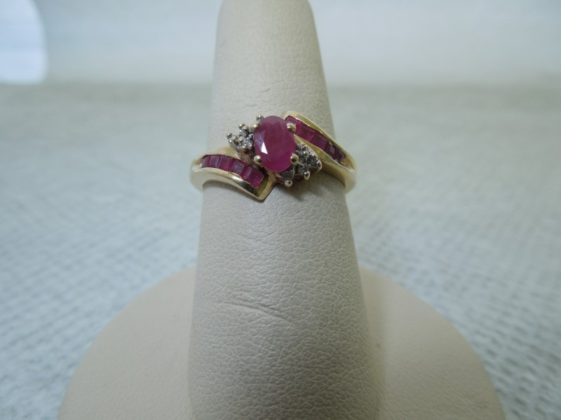 Synthetic Ruby Lady's Stone & Diamond Ring 8 Diamonds .040 Carat T.W.