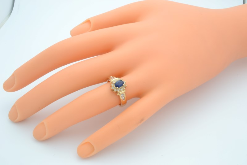 ESTATE SAPPHIRE DIAMOND RING SOLID 14K GOLD COCKTAIL OVAL HALO SZ 7