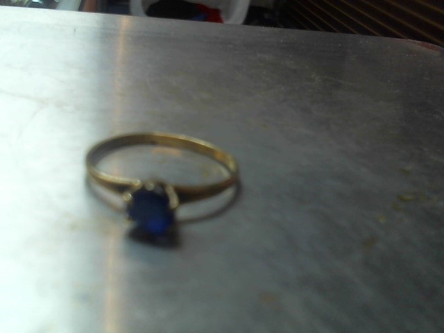 Lady's Blue Stone Ring 10K Yellow Gold 0.8g Sz 5