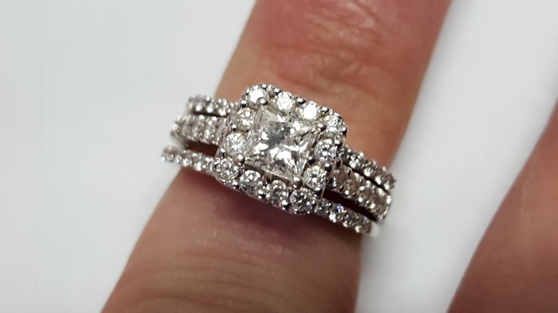 Lady's Diamond Wedding Set 53 Diamonds 1.84 Carat T.W. 14K White Gold 8g Size:6