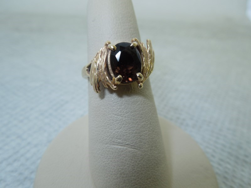 Brown Stone Lady's Stone Ring 10K Yellow Gold 4.31g