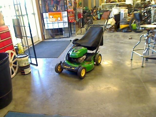 JOHN DEERE Lawn Mower JS30