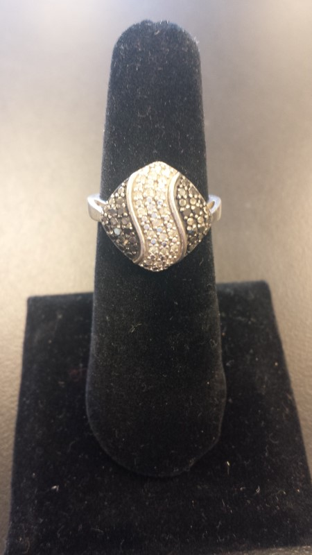 Lady's Silver-Diamond Ring 50 Diamonds .50 Carat T.W. 925 Silver 4.9g