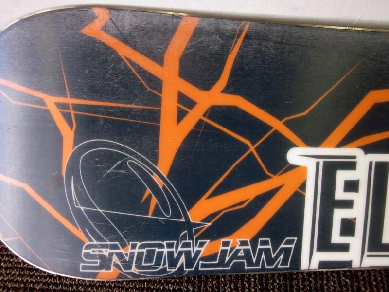 SNOW JAM SNOWBOARD