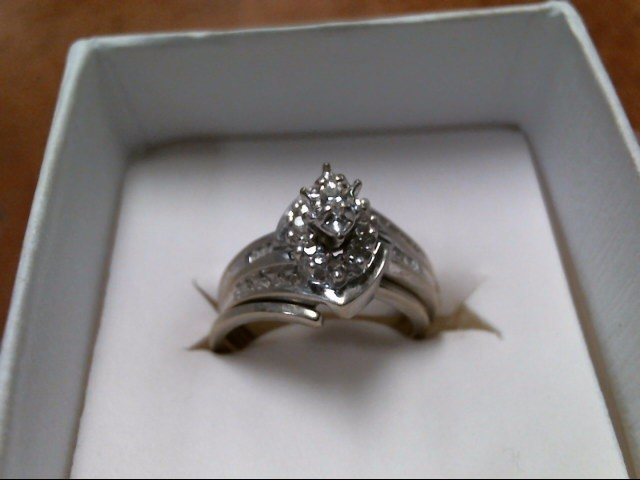 4.5G 10K WHITE GOLD DIAMOND RING SET