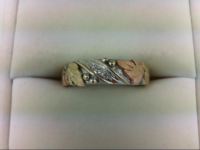 Lady's Diamond Wedding Band 3 Diamonds 0.03 Carat T.W. 14K Tri-color Gold 3.2g