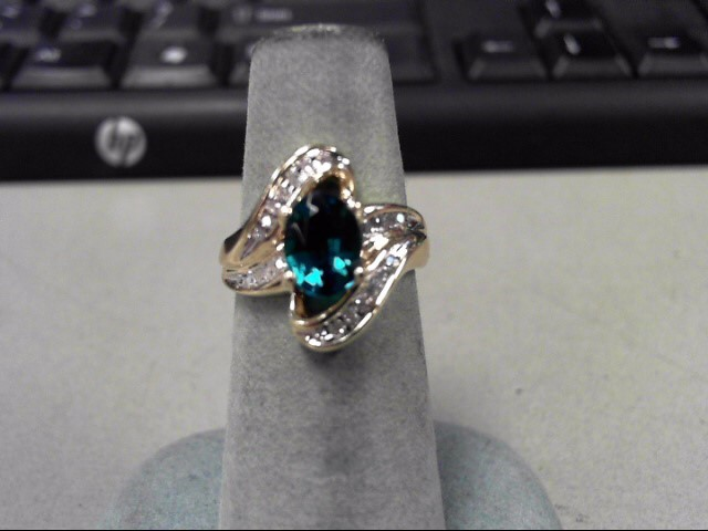 Green Stone Lady's Stone & Diamond Ring 21 Diamonds .21 Carat T.W.