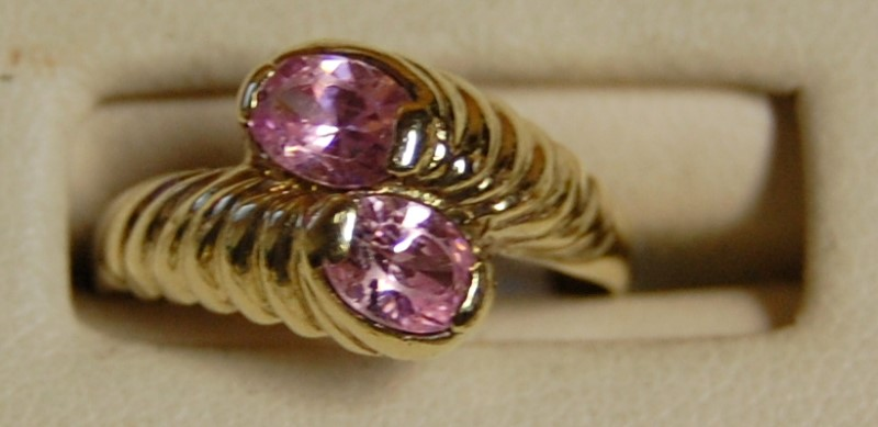10K Yellow Gold Lady's Pink Stone Ring 2.9G 0.96CTW Size 7