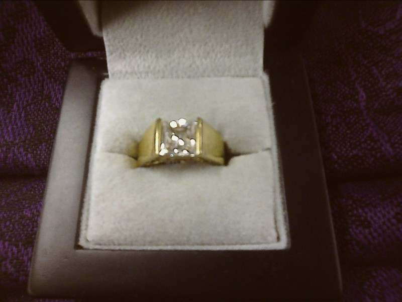 GOLD PLATE OVER SILVER RING W/ CZ IN CENTER SIZE: 5