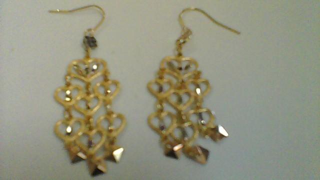 lady's 14k yellow gold heart design dangle earrings