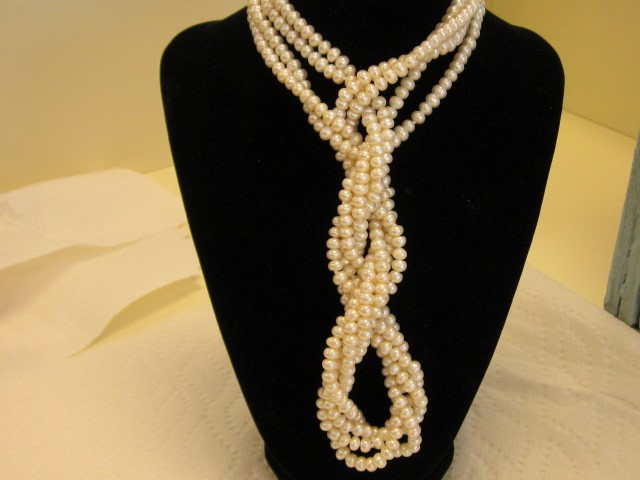 SEA PEARLS 48 INCHES NICE LUSTER