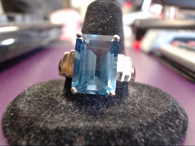 Blue Topaz Lady's Stone Ring 10K Yellow Gold 5g
