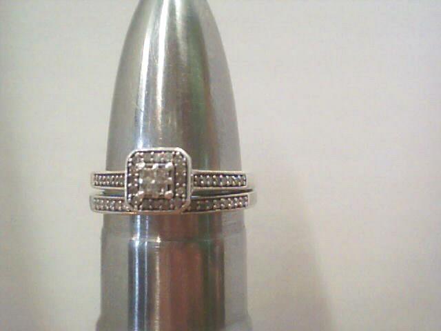 Lady's Silver-Diamond Ring 87 Diamonds .080 Carat T.W. 925 Silver 3.5dwt Size:7