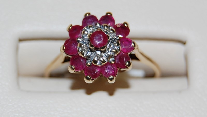 10K Yellow Gold Lady's Ruby & Diamond Ring 2.1G 0.8CTW Size 6