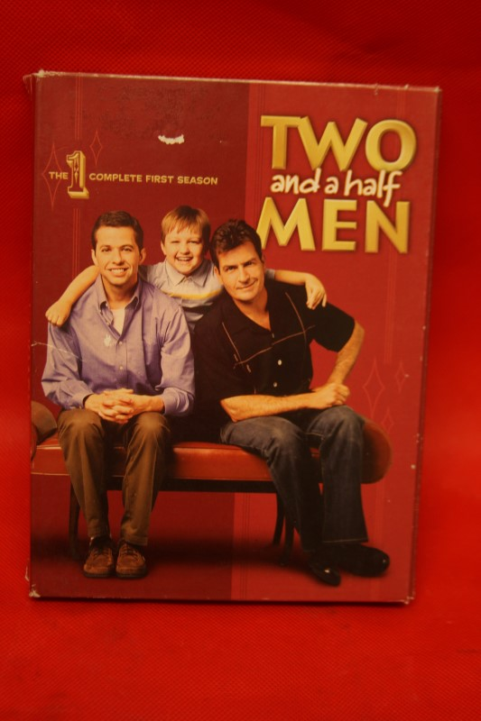 Two and a Half Men - The Complete First Season (DVD, 2007, 4-Disc Set)