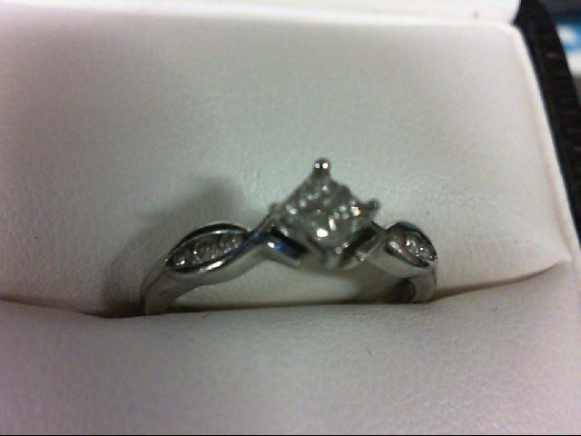 Lady's Diamond Engagement Ring 10 Diamonds 0.26 Carat T.W. 10K White Gold 1.6g