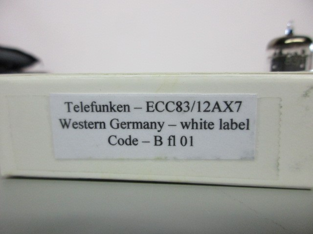 ONE (1) TELEFUNKEN 12AX7, TESTS GREAT