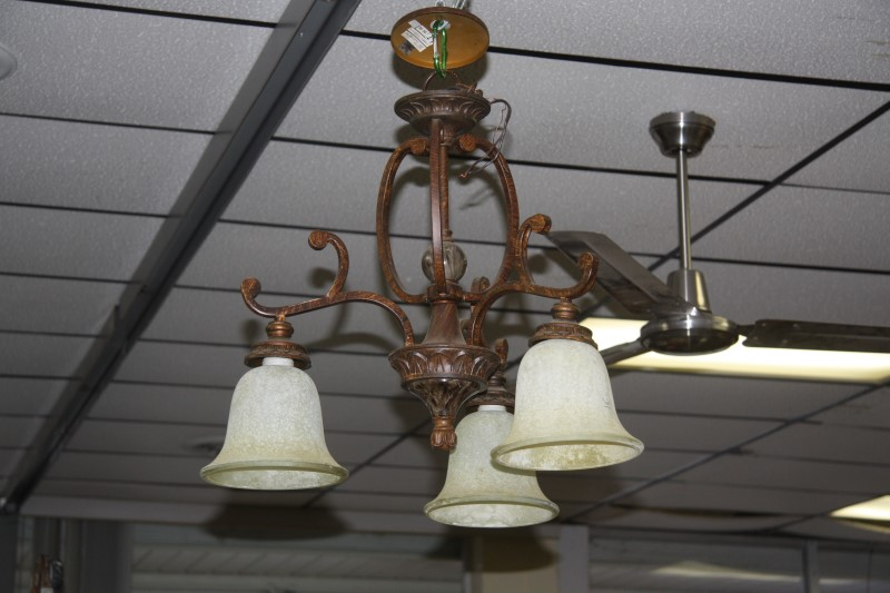 Light/Lamp WROUGHT IRON CHANDELIER