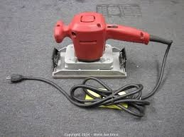 MILWAUKEE Vibration Sander 6014