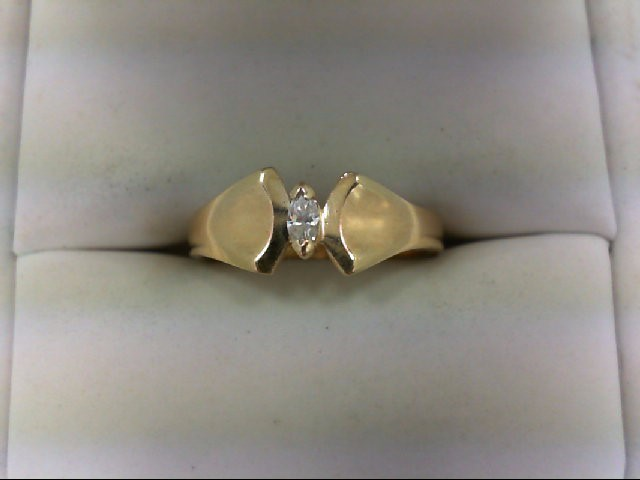 Lady's Diamond Solitaire Ring 0.07 CT. 10K Yellow Gold 2.5g Size:6.5