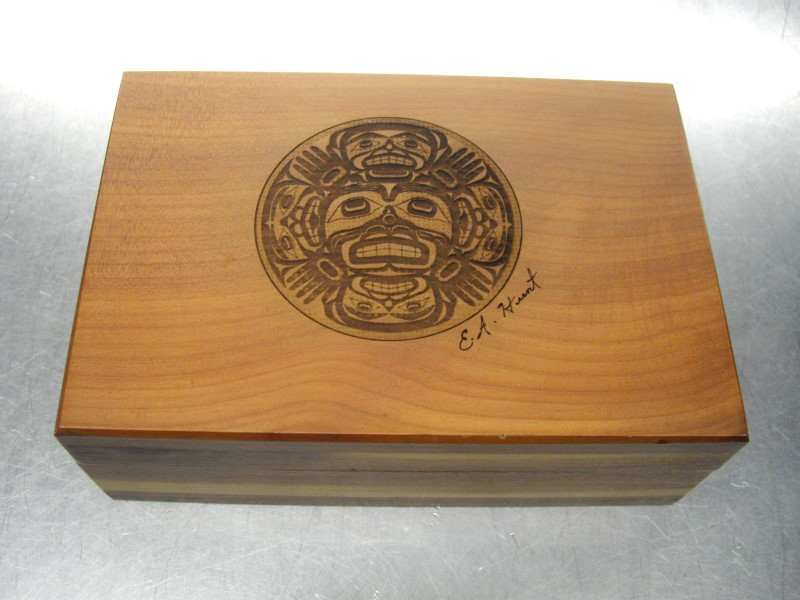 HAND MADE Sculpture/Carving NATIVE CARVED CEDAR BOX