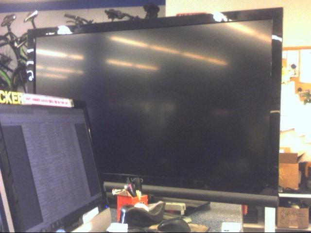 VIZIO Flat Panel Television E470VA