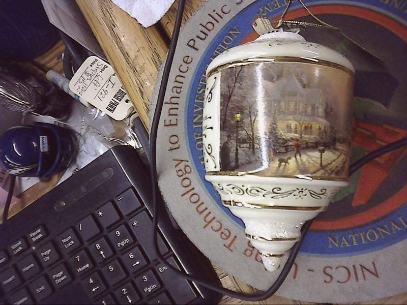 THOMAS KINKADE Glass/Pottery A HOLIDAY GATHERING ORNAMENT