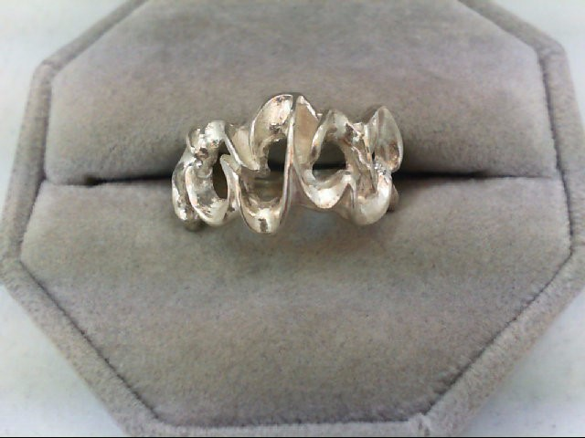Lady's Silver Ring 925 Silver 4.9g