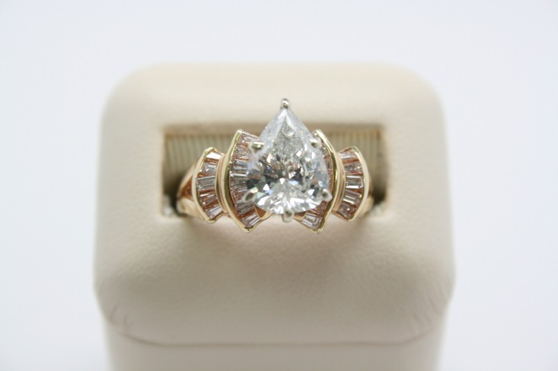 DIAMOND Lady's Diamond Fashion Ring 25 Diamonds 2.53 Carat T.W. 14K Yellow Gold
