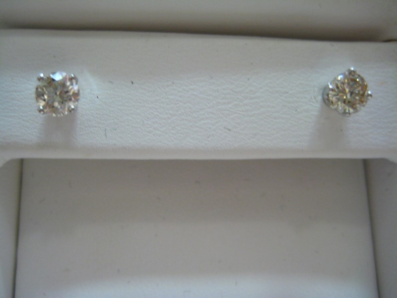 Gold Earrings 14K White Gold 0.8g