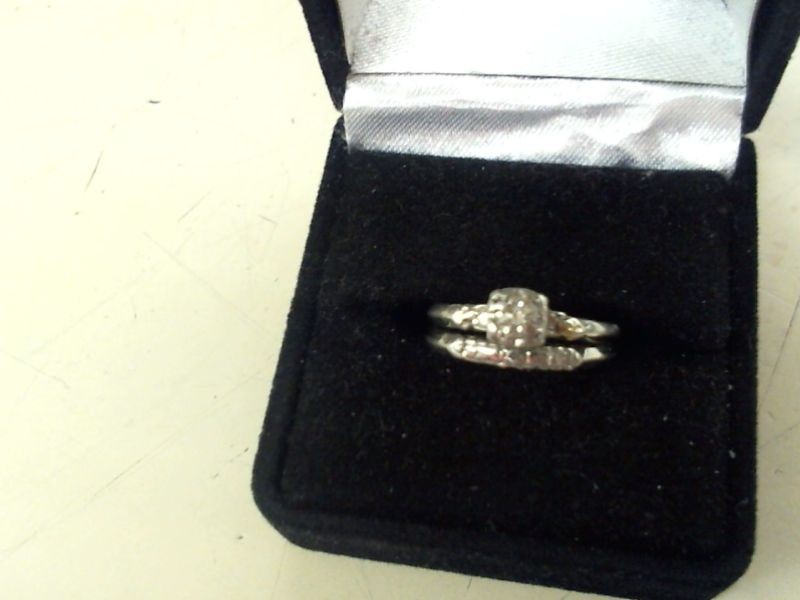 Platinum-Diamond Wedding Set 4 Diamonds .18 Carat T.W. 950 Platinum 5.4g
