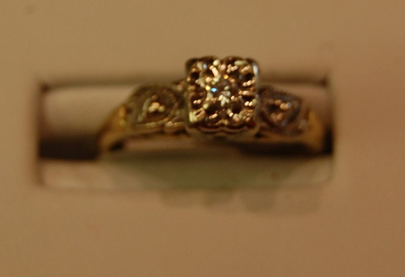 Lady's Diamond Engagement Ring .08 CT. 14K Yellow Gold 2.2g