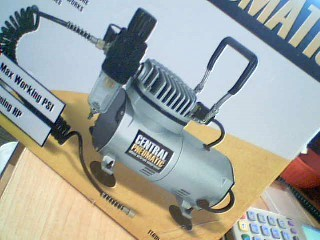 CENTRAL PNEUMATIC Air Compressor AIRBRUSH COMPRESSOR
