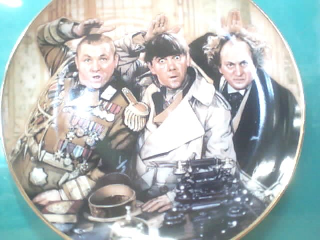 FRANKLIN MINT Collectible Plate/Figurine THREE STOOGES