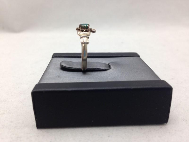 Lady's Silver & Sim. Emerald Stone Ring 925 Silver 1.1dwt SZ:6.5
