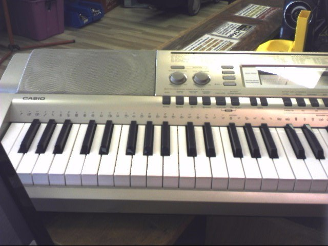 Casio Model WK-200 76 Key Keyboard