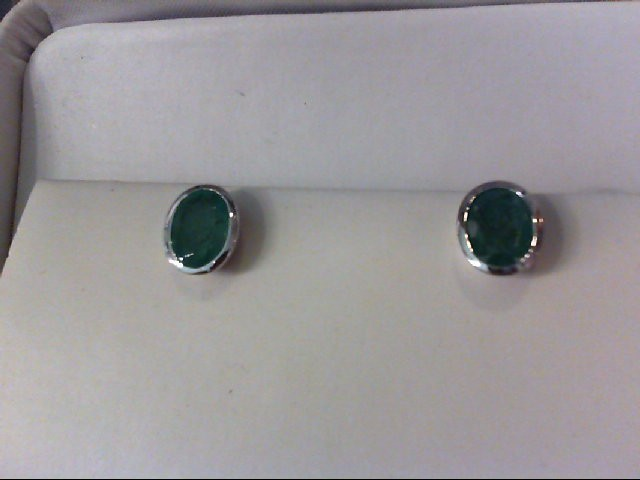 Emerald Gold-Stone Earrings 18K White Gold 3.57g