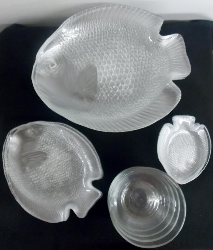 18 Arcoroc France Poisson glass fish plates 3 sizes + 4 glass bowls