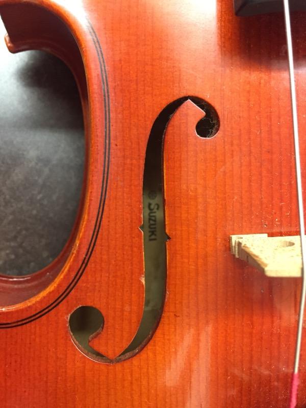 SUZUKI 220 Violin 3/4 Size Case And Bow