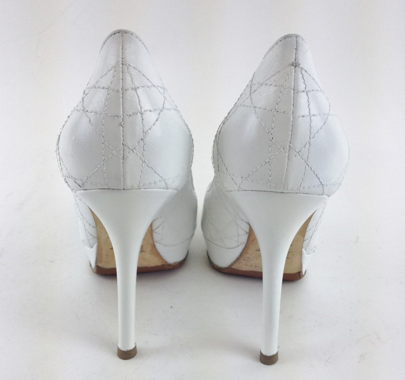 CHRISTIAN DIOR CANNAGE WHITE LEATHER PUMPS SIZE 6.5