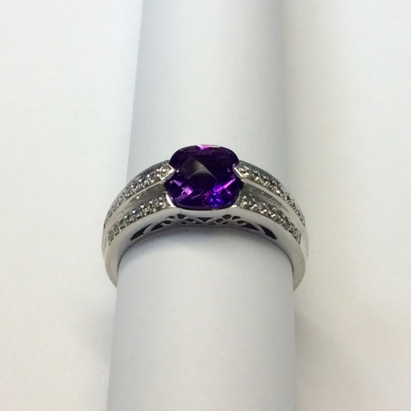 Synthetic Amethyst Lady's Stone & Diamond Ring 44 Diamonds .44 Carat T.W.